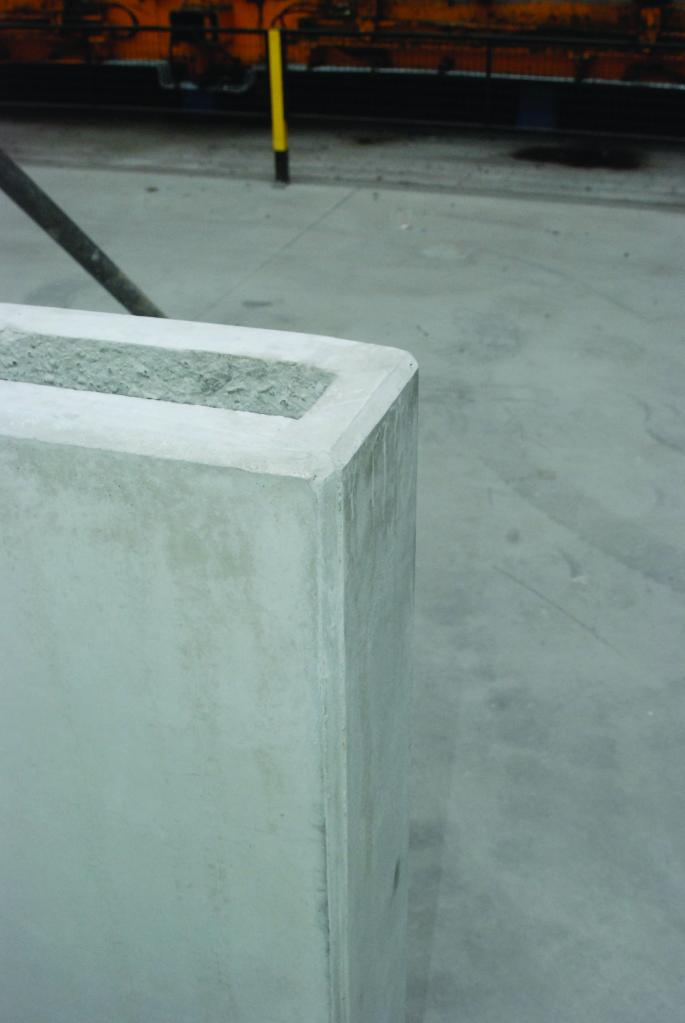 Randbekisting met betonnen kopschot